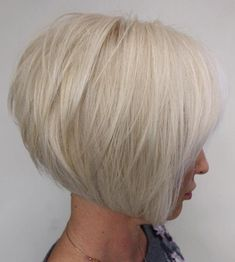 Stacked Haircuts, Short Bob Haircuts, Long Bob Hairstyles, Short Hairstyles For Women, Graduated Bob Hairstyles, Braided Hairstyles, Wedding Hairstyles, Medium Layered Hair, Medium Short Hair