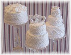 Crochet wedding cakes.... : )