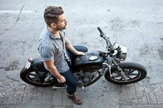 Another bike to ride Mae West, Look Fashion, Mens Fashion, Bike Fashion, Motorcycle Fashion, Women Motorcycle, Motorcycle Quotes, Motorcycle Helmets, Inazuma Cafe Racer
