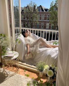 Sunday Kind Of Love, Style Blogger, Dream Apartment, Apartment Interior, Bedroom Inspo, Poses, My Dream Home, Live Life, Decoration