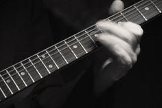 Bardzo fajny artykuł o strunach do gitary, na prawdę kilka ciekawych rad można tutaj przeczytać #guitar