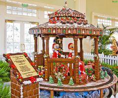 Disney World Resort Christmas Decorations Tour - Disney Tourist Blog