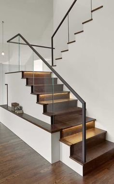 Modern Staircase Design Ideas The staircase is a very important design aspect. Trend Home Stairs Design aspect Design Home Ideas Important Modern Staircase Trend Modern Stair Railing, Stair Railing Design, Home Stairs Design, Staircase Railings, Stair Decor, Interior Stairs, House Design, Railing Ideas, Staircase Ideas