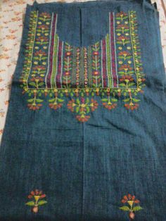 Hand Embroidery Dress, Embroidery Neck Designs, Simple Embroidery, Indian Embroidery, Hand Embroidery Stitches, Beaded Embroidery, Hand Stitching, Machine Embroidery, Kutch Work Designs