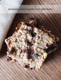Banana Chocolate Oat Bar- http://freshlivingblog.com  #yummysweettreat #easyhealthytreats #chocolatebananabars