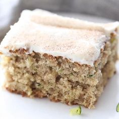 Pecan Cookie Recipes, Cake Recipes, Snack Recipes, Dessert Recipes, Cream Cheese Desserts, Cake With Cream Cheese, Zucchini Bars, Zucchini Brownies, Healthy Desserts