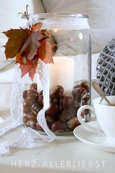 decorate-in-autumn - Diy Fall Decor Halloween Door Decorations, Christmas Decorations, Table Decorations, Seasonal Decor, Fall Decor, Conkers, Deco Floral, Autumn Crafts, Autumn Inspiration