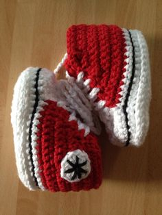 Cute baseball boots... Will be going the pattern!!