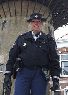 Een wijkagente voor de sociale veiligheid. Jamal
