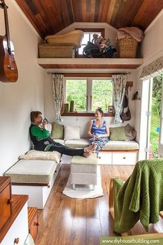 Lucy the Tiny House - love the layout in this one from http://www.diyhousebuilding.com/tiny-house-plans.html #tinyhouselayoutplans