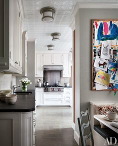 At Ali Wentworth and George Stephanopoulos's Manhattan apartment, which was designed by Michael S. Smith, the kitchen's cooktop and hood are by Wolf.