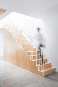 rivard-l-abri-interiors-renovation-montreal-canada_dezeen_2364_col_4-822x1233.jpg 822×1,233 pixels
