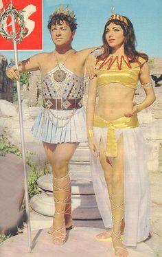 Kleopatra (1968)(Zeki Müren, Nil Kutval) Vintage Movie Theater, Vintage Movies, Movie Star Costumes, Movie Decor, Movie Couples, Movie Poster Art, Turkish Actors, Costumes For Women, Movie Stars