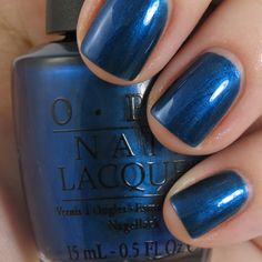 So Unfor-greta-bly blue ❤