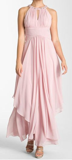 tiered #chiffon halter gown  http://rstyle.me/n/gwje5pdpe
