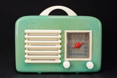 General Television Radio 591 Catalin in Turquoise Green - Rare