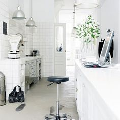 small Kitchen in white