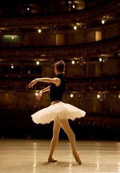 Maria Alexandrova with Bolshoi Ballet  ♥ Wonderful!  www.thewonderfulworldofdance.com