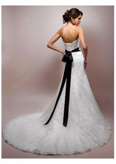 I would really like to add an accent to the dress with a colored sash