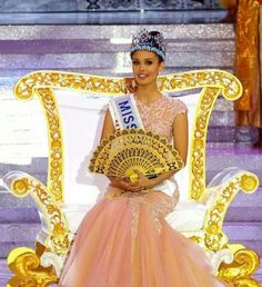 Megan Young was crowned Miss World 2013 Megan Young, Miss World 2013, Miss Monde, Miss Philippines, Ideal Image, Beautiful Inside And Out, Beauty Pageant, Filipina, Asian Fashion