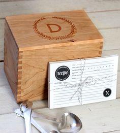 Custom Wreath Design Heirloom Recipe Box with Recipe Cards