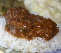 I love Crockpot Tasty Beef Tips after a long day. You walk into the house with the amazing aroma greeting you at the door. So easy to prepare with only 7 ingredients and your slow cooker. Everyone wanted more. Remember to spray pan. Crock Pot Food, Crock Pot Slow Cooker, Slow Cooker Recipes, Crockpot Recipes, Cooking Recipes, Crockpot Ravioli, Dinner Crockpot, Cookbook Recipes, Easy Cooking