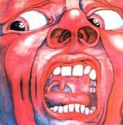 킹 크림슨의 대표작인 [인 더 코트 오브 더 크림슨 킹]은 회화성이 짙은 프로그레시브 록 앨범커버의 걸작이다. 공포에 질린 듯 화면 가득한 얼굴은 사실 '공포'를 표현한 것이 아니라 편집증적 피해망상과 정신 분열을 포착한 것이다. 망상과 정신 분열은 킹 크림슨 음악의 저변에 깔린 일관된 주제다. 리더인 로버트 프립은 이처럼 무겁고 암울한 곡을 만들어냈고, 초창기 멤버이며 시인인 피터 신필드가 곡에 맞게 가사를 만들었다.