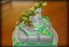 Doces Pedaços de Amor: Bolo Tiranosauro Rex