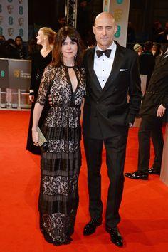 Pin for Later: Die Stars feiern bei den BAFTA Awards in London Liza Marshall und Mark Strong