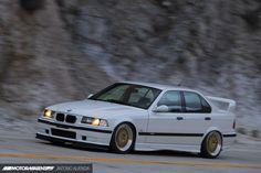 E36 Sedan, E36 Coupe, Street Racing Cars, Old School Cars, Bmw 2002, Bmw Series, Japanese Cars, Sexy Cars, Car Photos