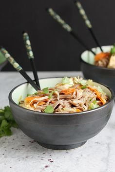 Easy sesame tofu noodles are great served hot or cold. Perfect for a meatless Monday supper! Tofu Recipes, Noodle Recipes, Asian Recipes, Vegetarian Recipes, Healthy Recipes, Ethnic Recipes, How To Cook Beans, How To Cook Rice, Tofu Noodles