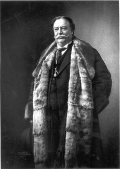 William Howard Taft, President from 1909 to He weighed 340 pounds when he was President about 100 years ago. He was the last to have facial hair. American Presidents, American War, American History, American Soldiers, British History, Native American, William Howard Taft, Presidential History, History