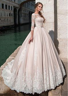 Buy discount Glamorous Tulle Bateau Neckline Ball Gown Wedding Dress With Lace Appliques & Beadings & Belt at Dressilyme.com