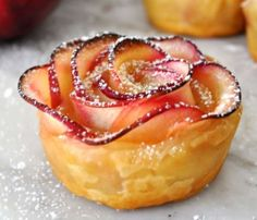 Æblekage-roser