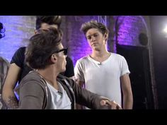 This is the funniest thing I've ever seen - One Direction backstage at the iTunes Festival