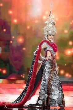 [Miss Grand Thailand] 10 ชุดแสดงเอกลักษณ์ประจำจังหวัดต่างๆยอดเยี่ยม // เห็นว่ายังไงกันบ้าง - Pantip