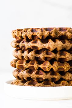 The best vegan + paleo waffles made with banana flour for a delicious healthy grain-free, egg-free, nut-free, AIP-friendly breakfast! Wheat Free Recipes, Flour Recipes, Waffle Recipes, Raw Food Recipes, Sweet Recipes, Dessert Recipes, Desserts, No Flour Pancakes, Pancakes And Waffles