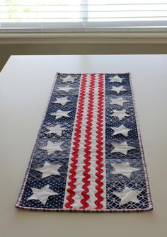 (7) Name: 'Quilting : Patriotic Parade Table Runner pattern