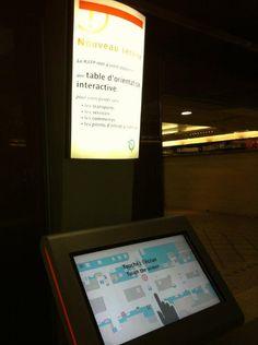 Table d'orientation tactile à la RATP Grande Arche de La Défense avec plan interactif   www.viadirect.com