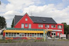 Hotel Kleineichen Rösrath This hotel is located in Rösrath, an 18-minute drive from Cologne city centre via the nearby A3 motorway. Hotel Kleineichen offers free Wi-Fi and free on-site parking.  The bright rooms at Hotel Kleineichen are simply furnished.