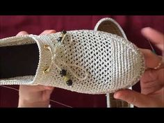 Silvery Knit Mesh Ballet Making Abschnitt - pantofi crosetati - Schuhe Crochet Boots, Crochet Slippers, Crochet Clothes, Knit Crochet, Flipflops, Spring Boots, Bare Foot Sandals, Chrochet, Sock Shoes