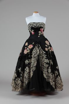 Evening dress, Emilio Schubert, 1950.