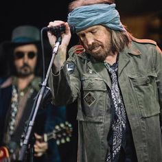 Tom Petty and Mike Campbell - Red Rocks 05/30/17