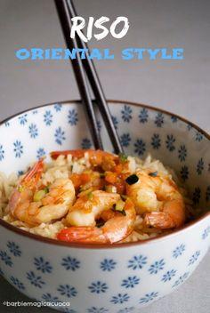 Un piatto colorato, facile e veloce per una cena improvvisata. Tanta voglia di sapori orientali e obiettivo leggerezza. Così nasce questo riso sfizioso e improvvisato. Oggi sono un po' di