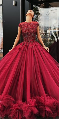 Prom Dress Princess, Tulle Appliques Red Wedding Dress, Cap Sleeve Ball Gown Wedding Dresses, Sexy Bridal Dress Shop ball gown prom dresses and gowns and become a princess on prom night. prom ball gowns in every size, from juniors to plus size. Red Ball Gowns, Ball Gowns Evening, Ball Gowns Prom, Ball Dresses, Evening Dresses, Red Gowns, Afternoon Dresses, Flapper Dresses, Party Gowns