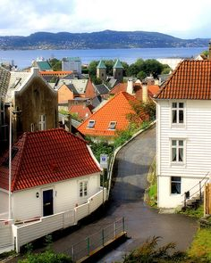 Walk around in the narrow streets in Bergen