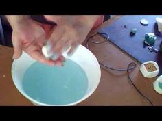 Comment faire ses moules silicone sois même facilement en 5 secondes avec de l'eau et du liquide vaisselle Je retrouve pas le lien de la chaîne cité dans la ...