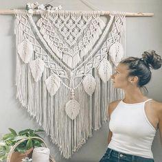 Macrame Wall Hanging Patterns, Large Macrame Wall Hanging, Tapestry Wall Hanging, Free Macrame Patterns, Macrame Design, Macrame Art, Macrame Projects, Macrame Knots, Bohemian Wall Decor