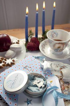Nicht mehr lang ... und die erste Kerze brennt, dann zwei, dann drei, dann vier ... Kettenanhänger von Kritzelsilber.#Schmuck #Silberschmuck #Kinderzeichnung #Kinderbild #Kunst #Design #Designschmuck #Kindermalerei #individualisierter #Unikat #Unikatschmuck #Kritzelei #Kinderschmuck #Weihnachtsgeschenk #Geschenk #Weihnachten #Silber #Kettenanhaenger #Silberanhaenger #Kinderkunst #Kette #Familie #Silver #Jewelery #Children #drawing #customized #individual #Family #Present #xmas #Katze #cat