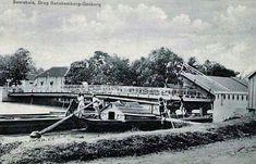 Jembatan Sonokembang, Soerabaja ca 1910 Oecu saved to Soerabaja-Pinterest